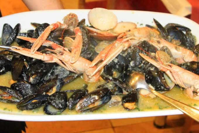 Sacmpis & mussels buzara